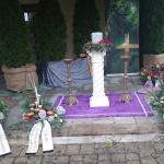 Urnendekoration auf Säule in Greußenheim